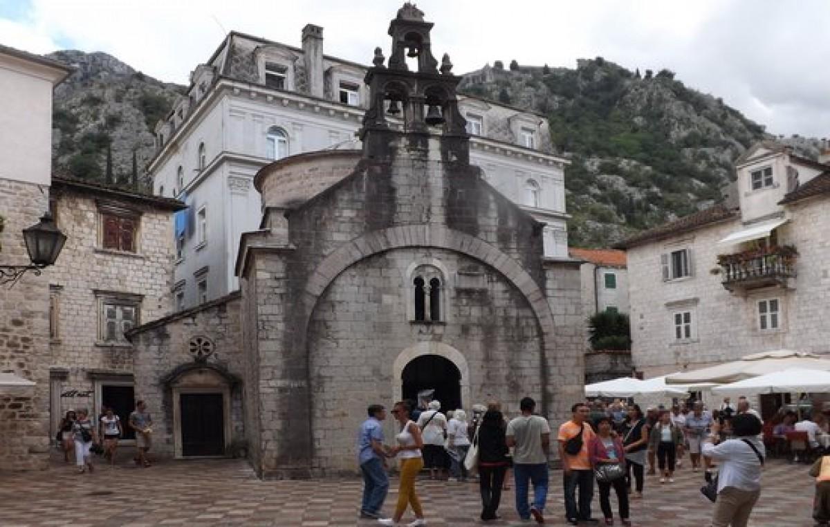 Iglesia Sveti Luka en Kotor