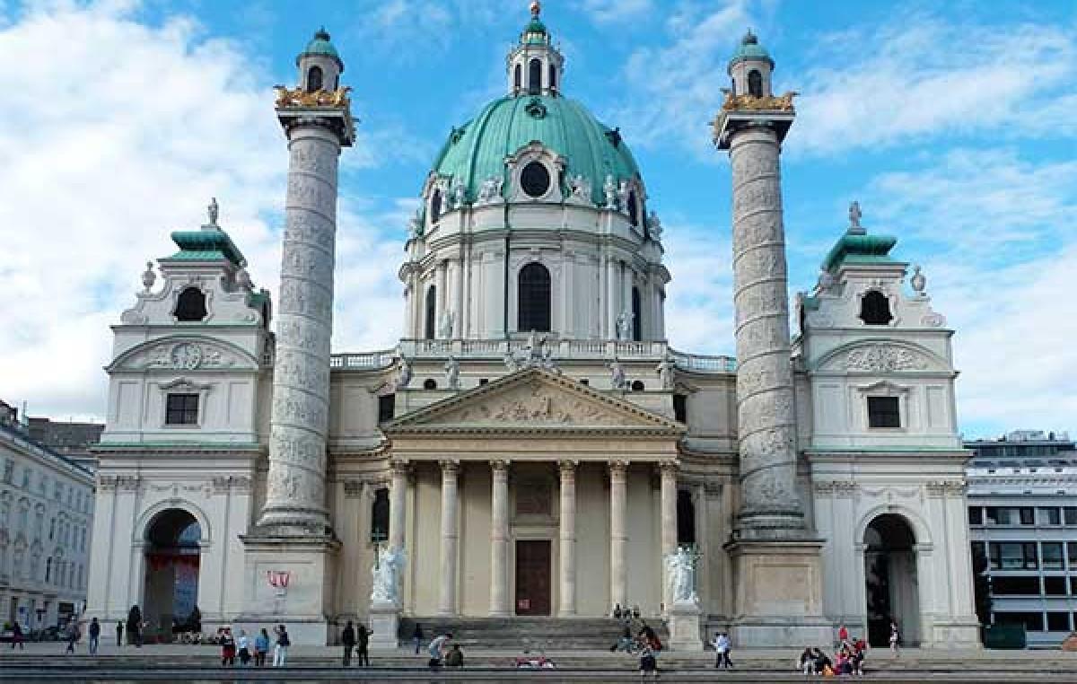 Iglesia de San Carlos Borromeo (Karlskirche)