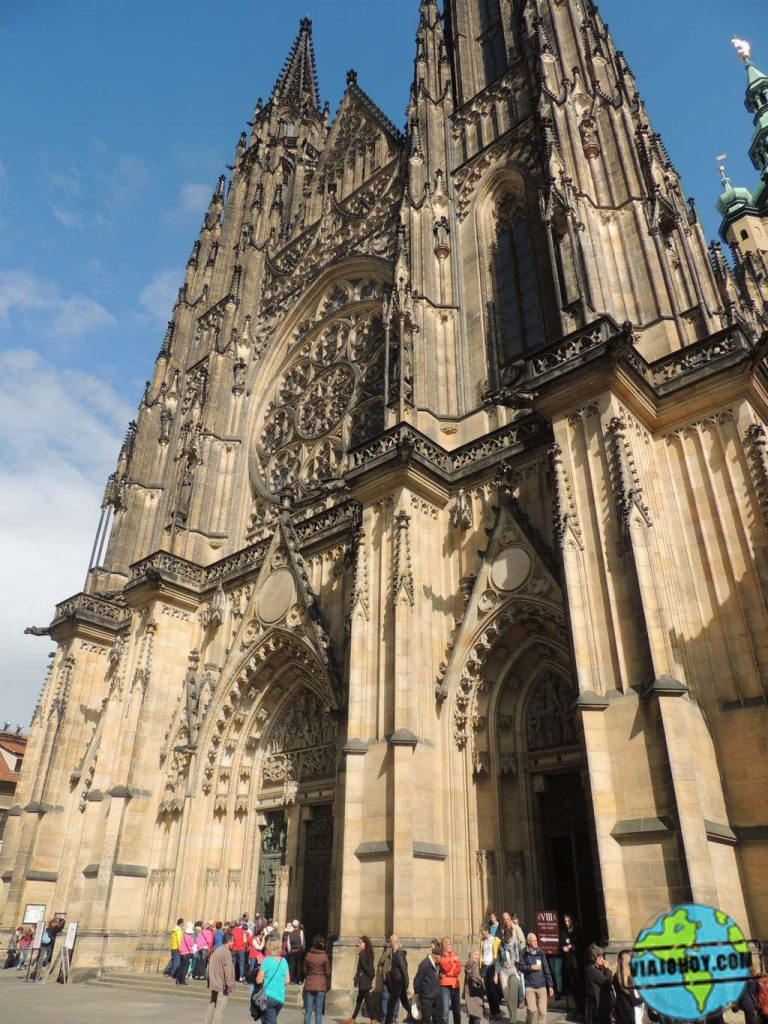 frontal-catedral-san-vito