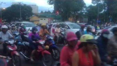 Caótico tráfico en Ho Chi Minh – Visita Vietnam