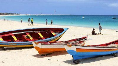 Paradisíacas playa en el Cabo Santa María – Visita Cabo Verde