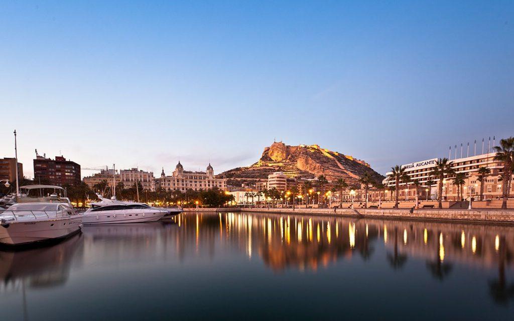 Descubre lo mejor de Alicante con estas apps